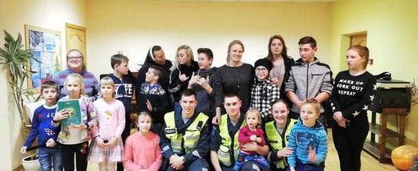 Svečiuose policijos mokyklos kursantai